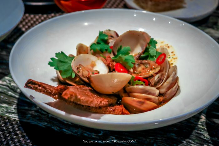 """Steamed Clams Escabeche"" : 275.- บาท"