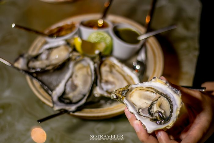 Fine de claire oyster with condiments (420.- บาท)