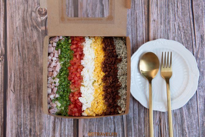 Cobb salad (ราคา 390 บาทสุทธิ)