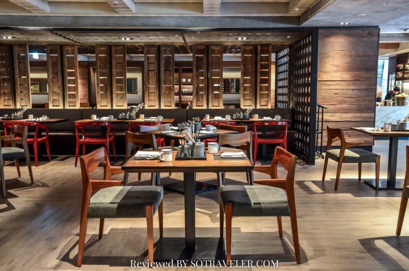 โกจิ คิทเช่น แอนด์บาร์ (Goji Kitchen & Bar) Table